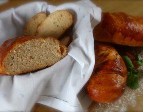 JVS image - Tomato and Basil Bread