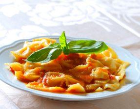 JVS image - Farfalle with Fresh Tomato Sauce