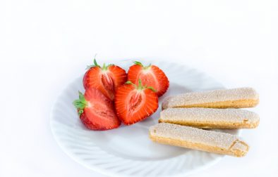 JVS image - Marinated Strawberries with Vanilla Shortbread Biscuits