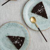 salty-caramel-cake-cropped