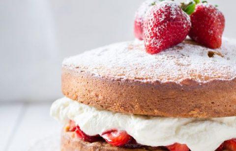 Flora_Vegan_Victoria_Sponge_Cake_1_50